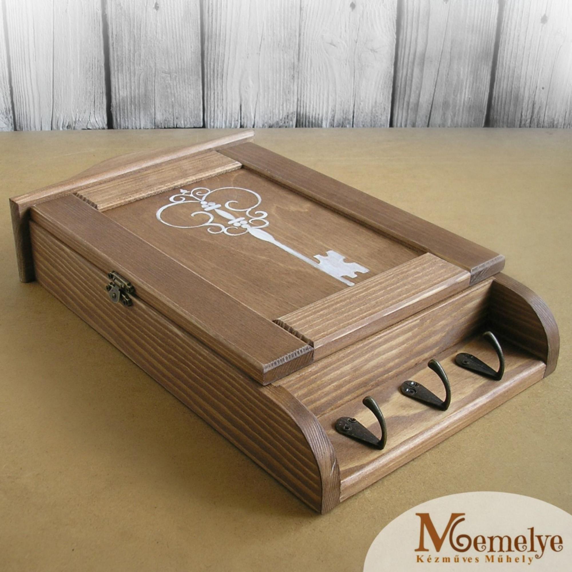Fa kulcstartó szekrény - 6 700 Ft *** Egyedi kézműves termékek